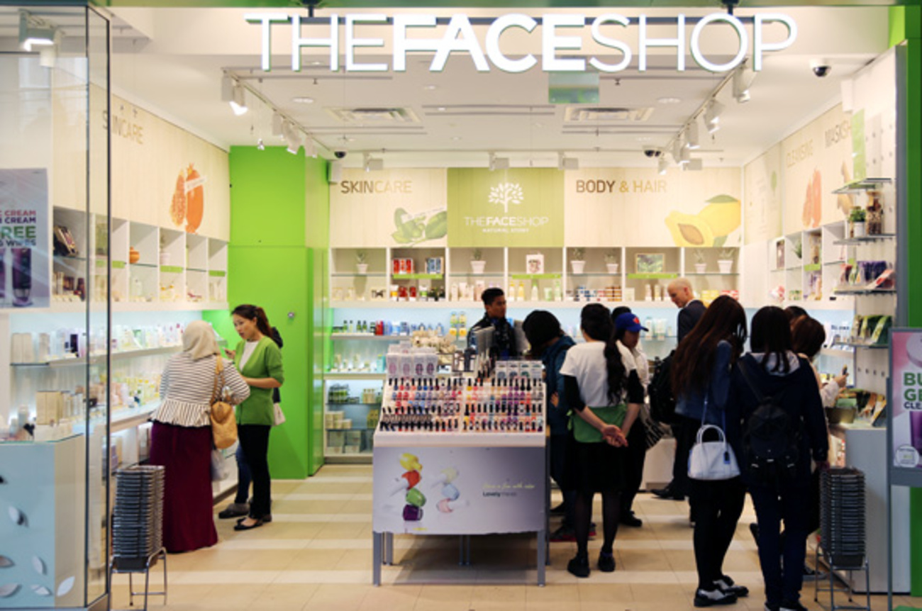 Beauty distributor equipment facial in toronto