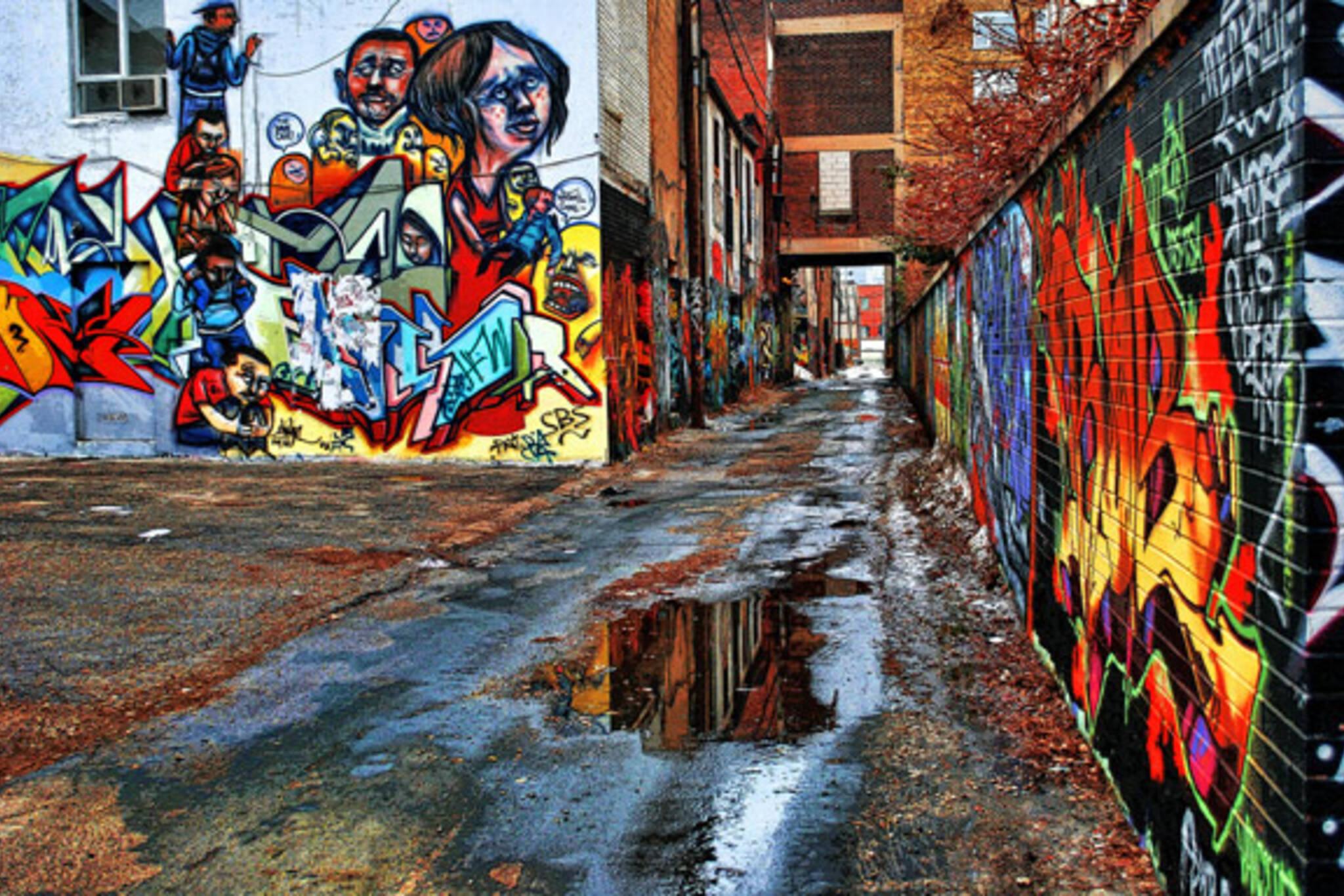 Graffiti wall toronto downtown - Graffiti Alley Toronto