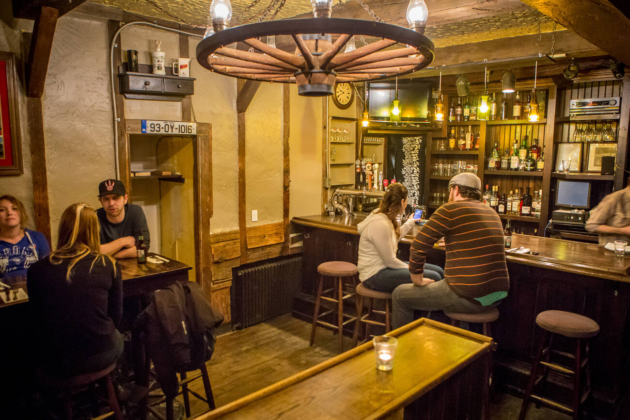 The Best Irish Pubs In Toronto