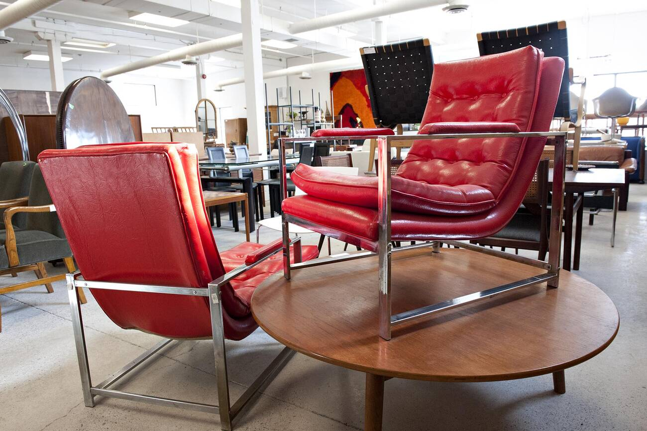 The best vintage furniture stores in toronto for Vintage furniture dealers