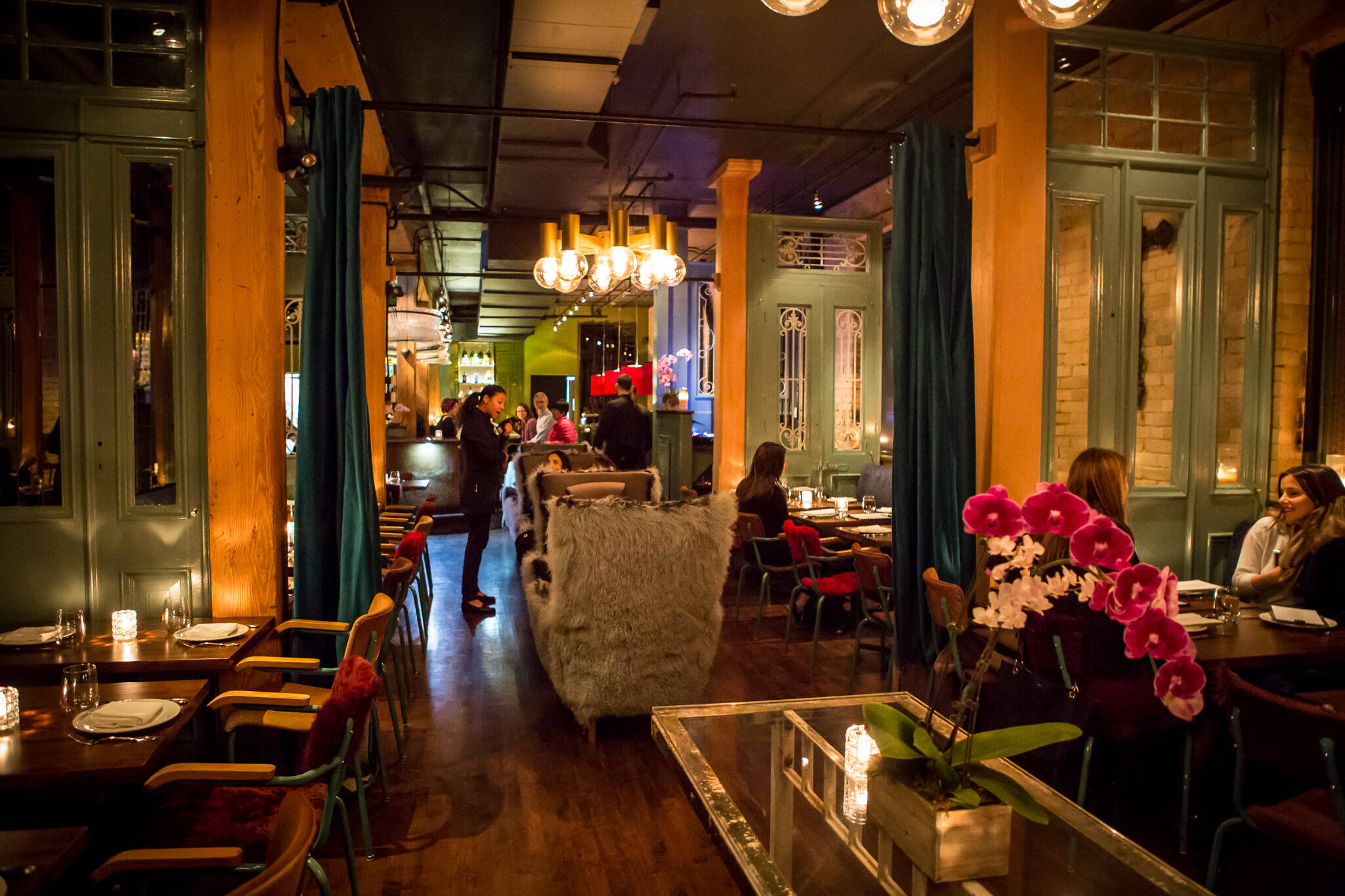Romantic Places To Have A Drink In Toronto