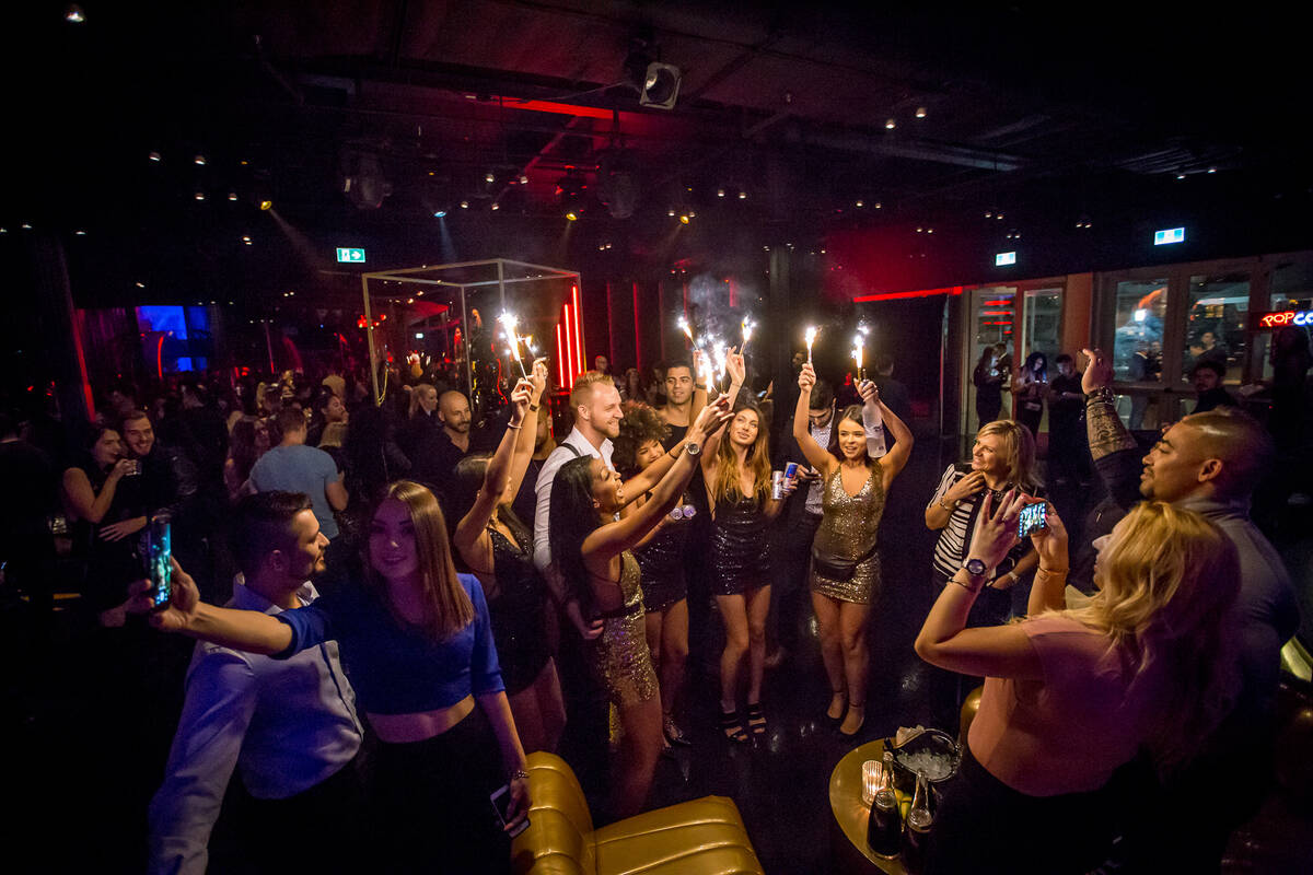 Toronto new year 39 s eve party guide 2017 for Terrace new year party