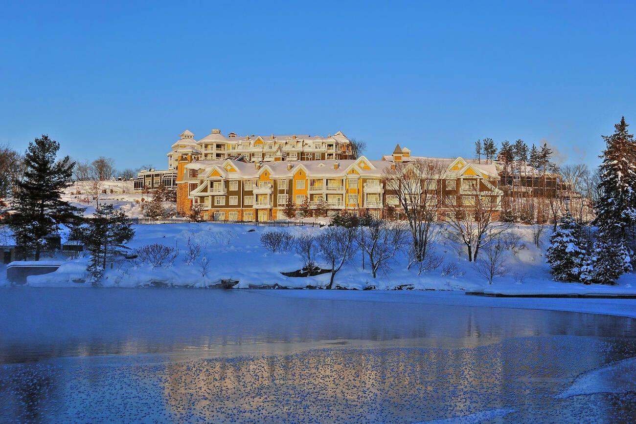 5 winter resorts for a weekend getaway near toronto. Black Bedroom Furniture Sets. Home Design Ideas
