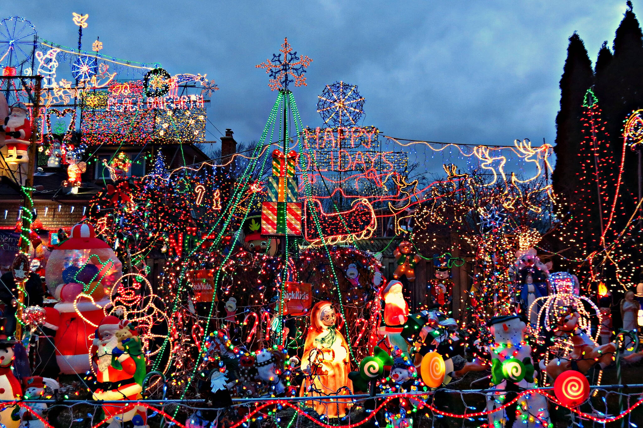 Here S A Map Of All The Unreal Holiday Lights In Toronto