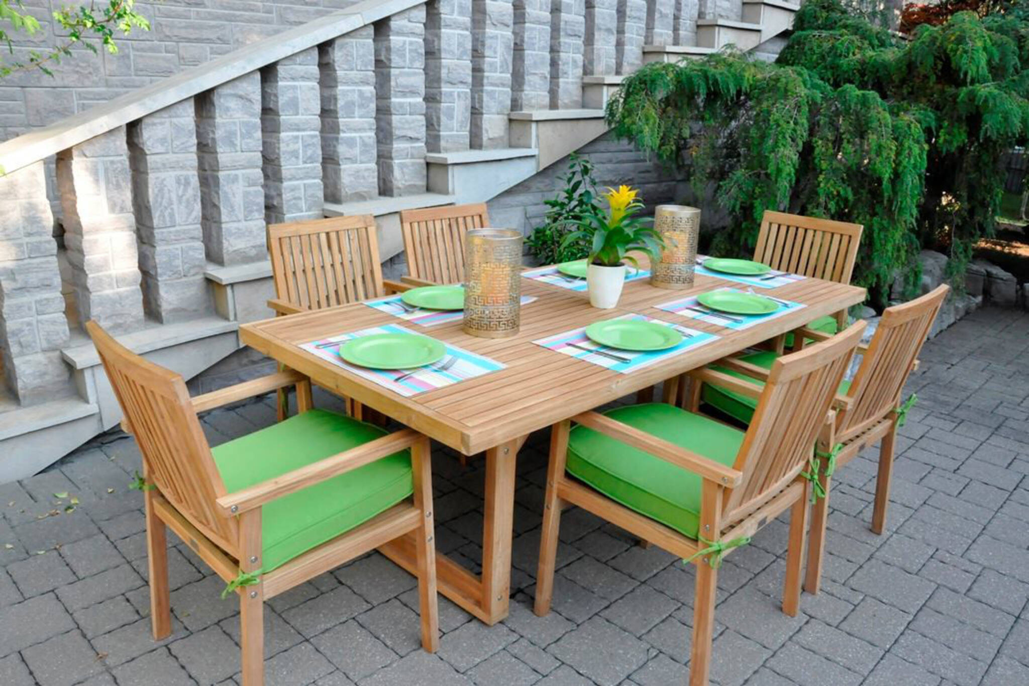 The top 15 patio furniture stores in toronto for Outdoor furniture toronto