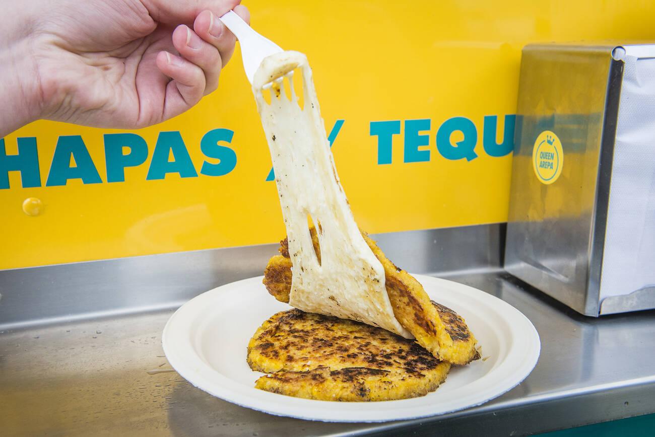 Toronto 39 s new venezuelan food truck goes way beyond arepas for Cuisine queen