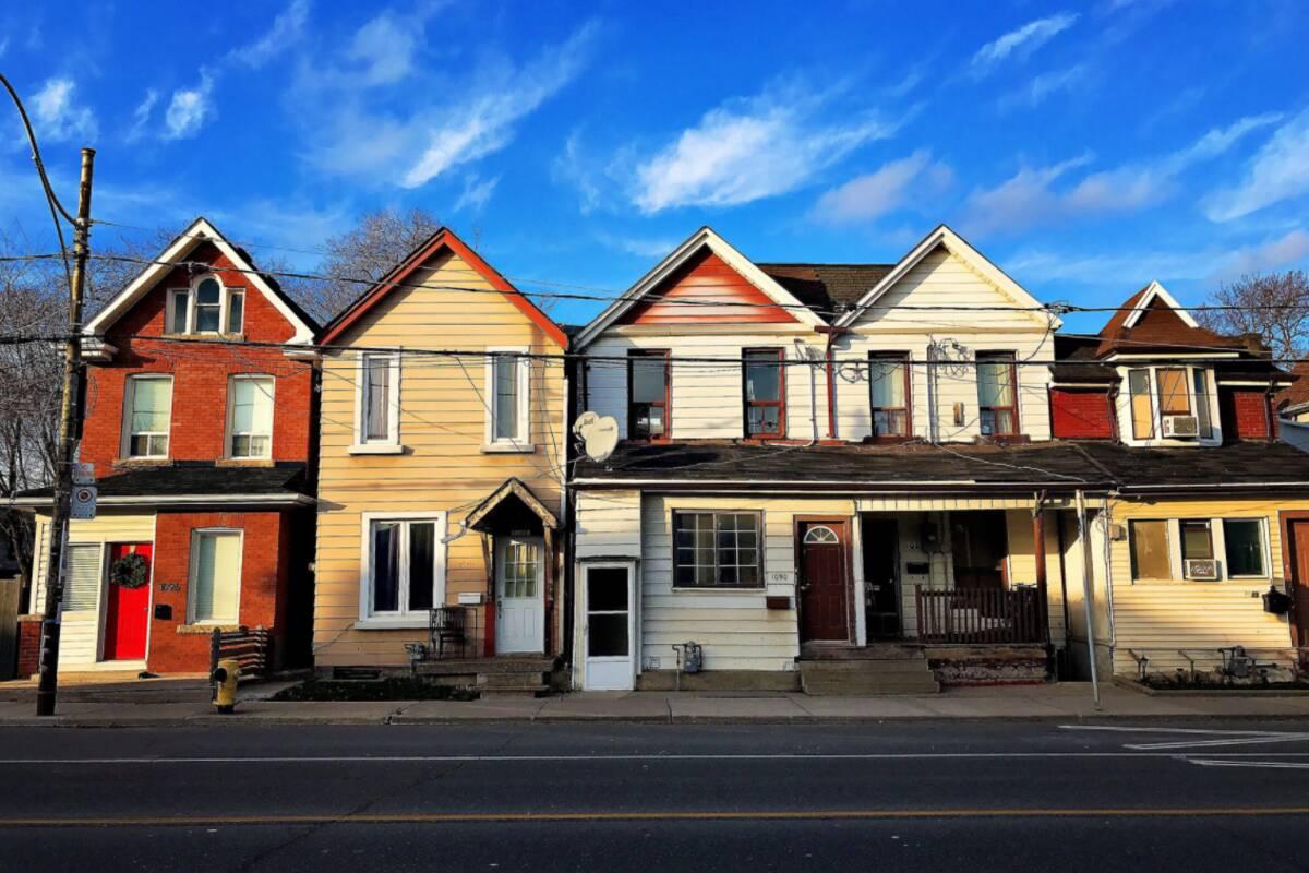 Toronto real estate homes 28 images 2 2 million for a for Quality inn la porte tx