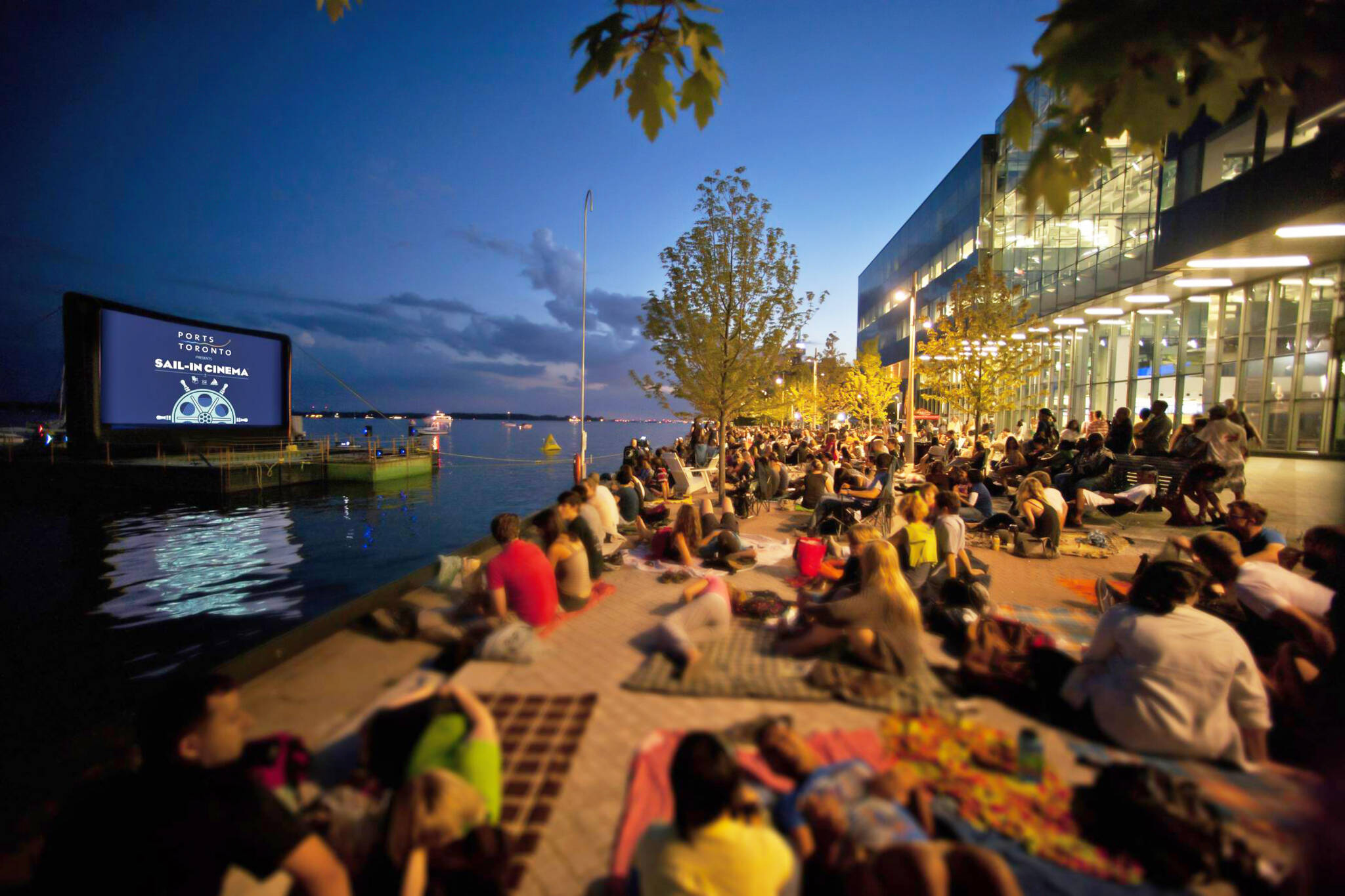 free outdoor movies tornoto