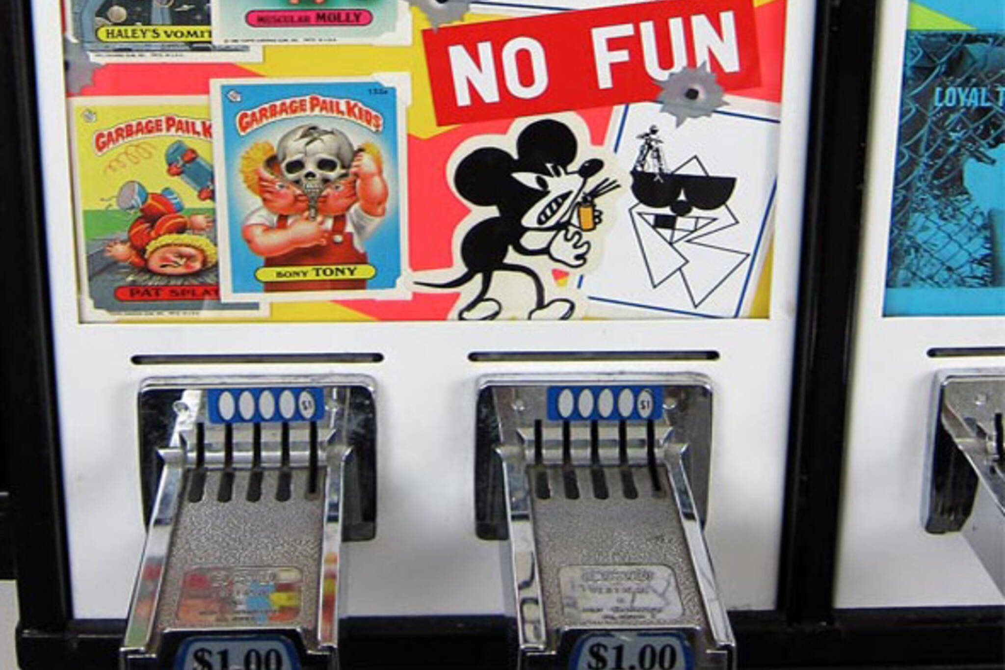 Zine vending machine toronto