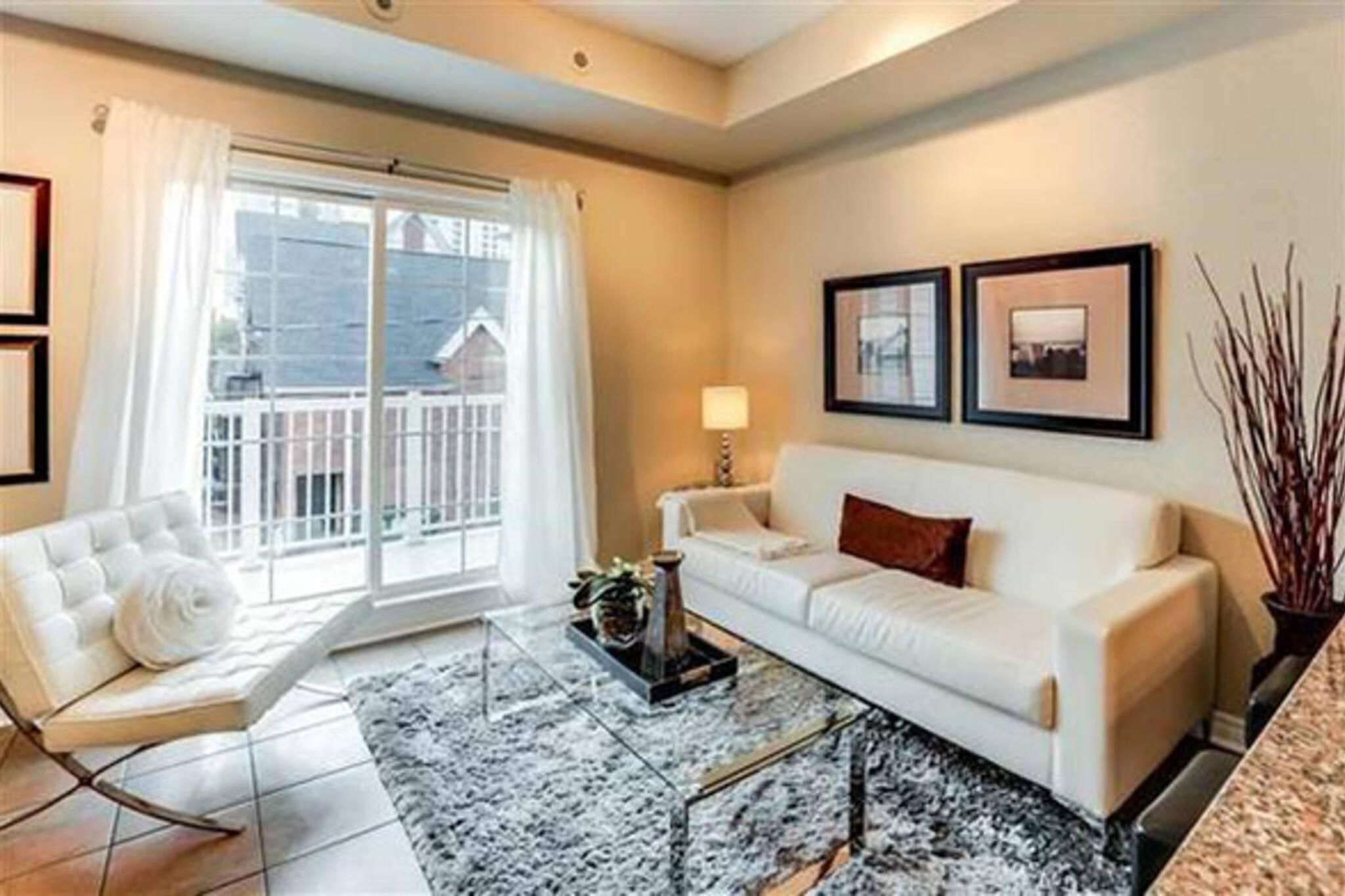 2500 dollar apartment toronto