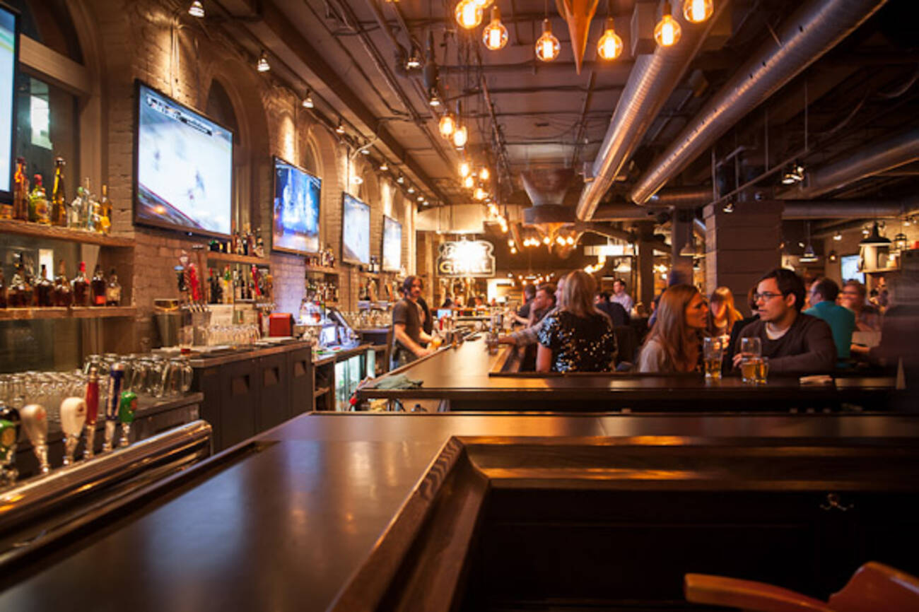 The Top 15 Bars Amp Pubs Near The Acc And Rogers Centre