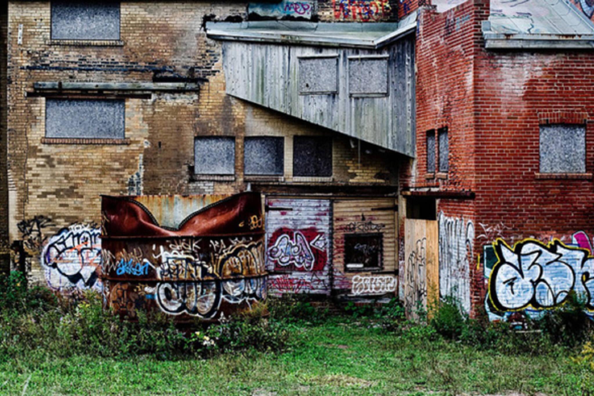 Graffiti wall toronto downtown - Graffiti Brick Works Toronto