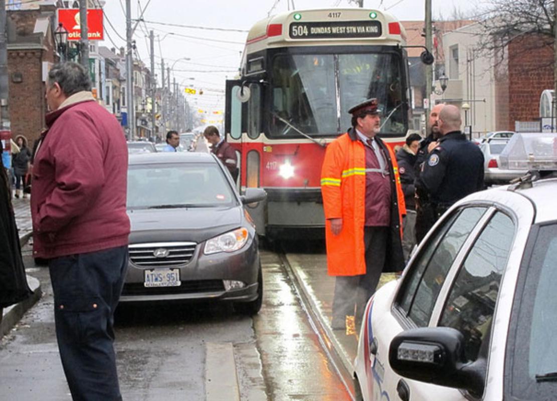 toronto streetcar blockage