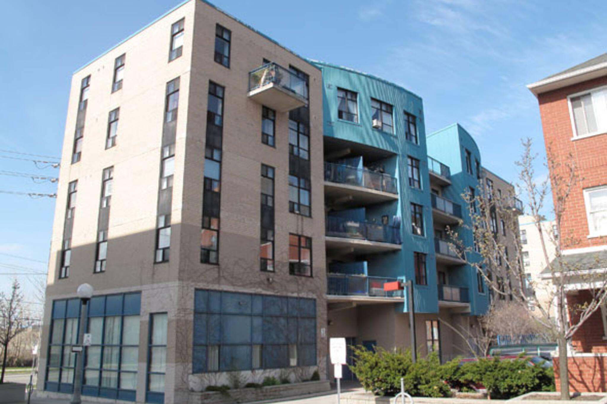 Habitats: Lakeshore live-work building