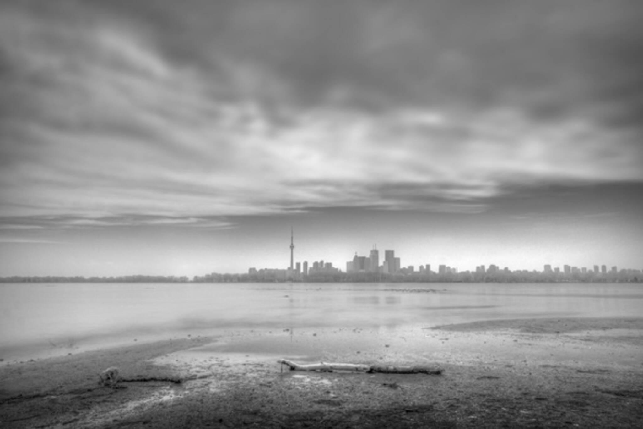 Toronto skyline black and white