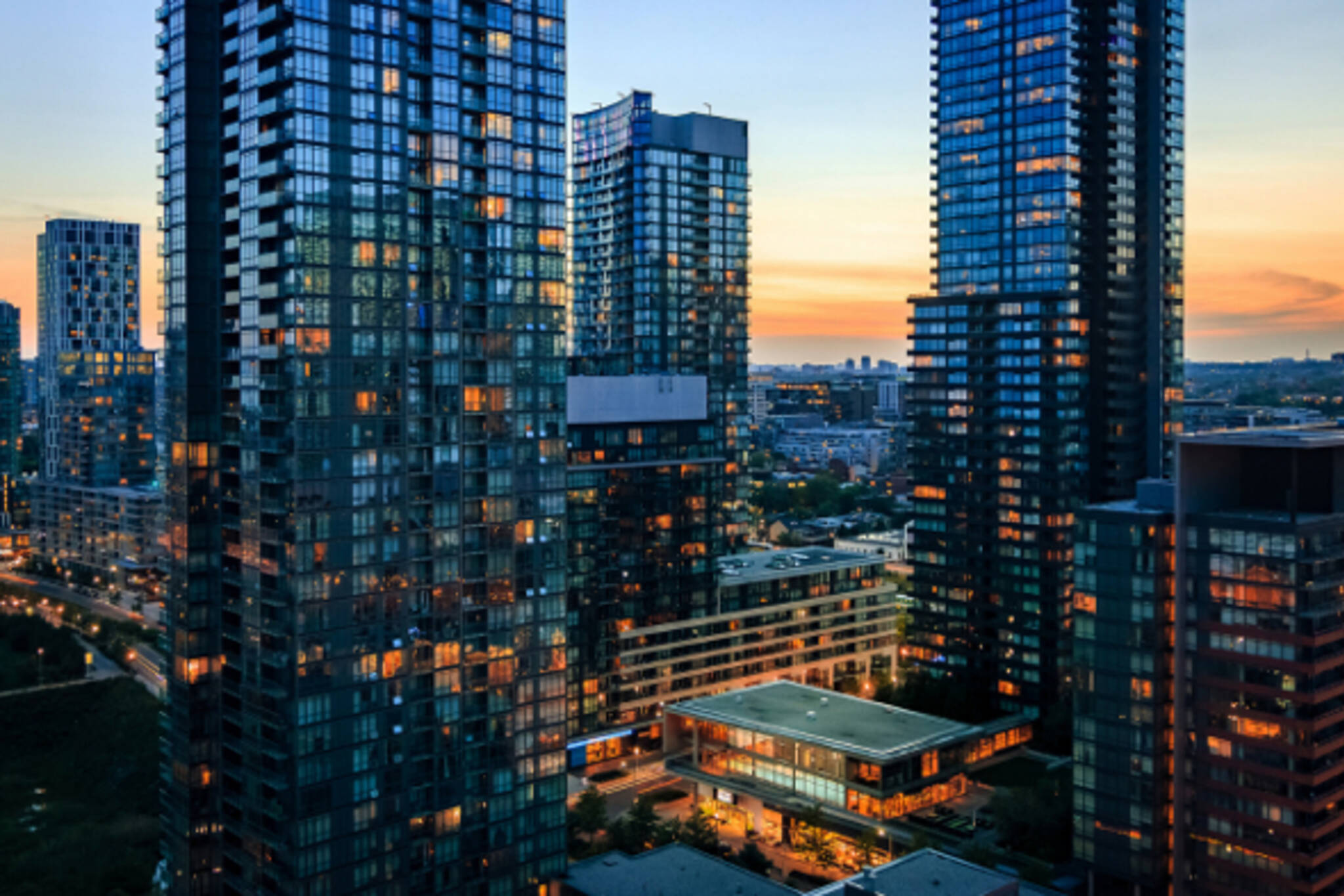 Average Cost To Rent A Condo In Toronto Goes Way Up