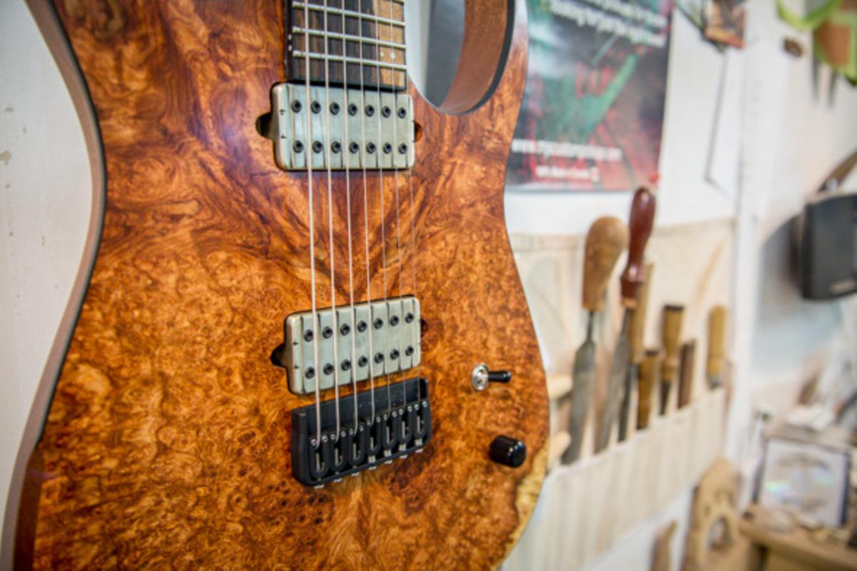 musical instrument stores toronto