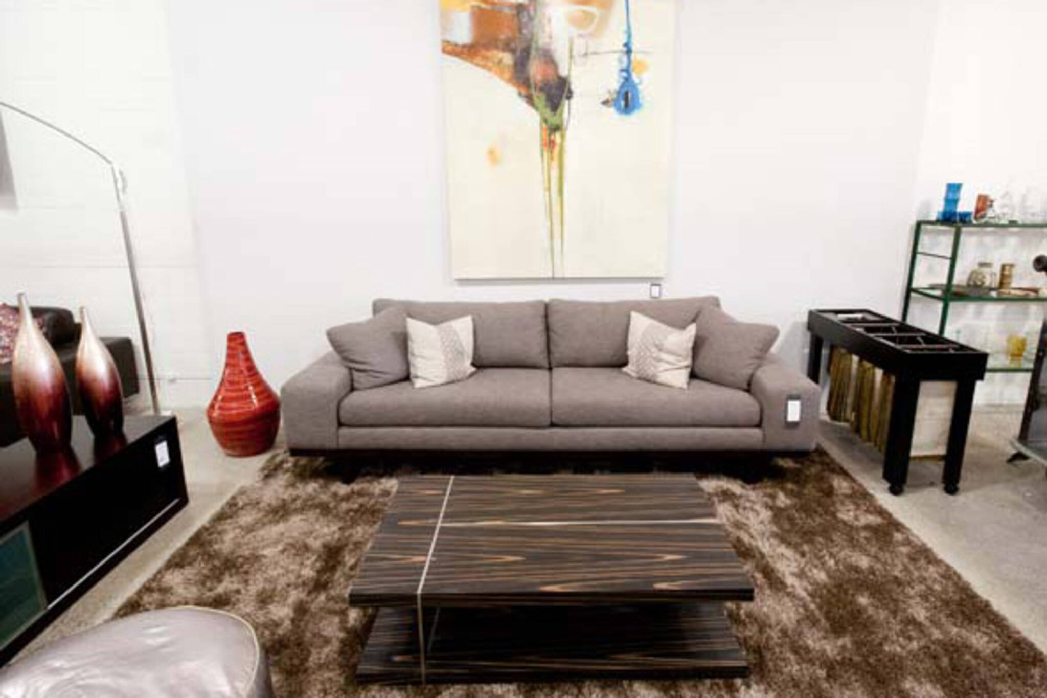 The top 10 stores to buy a sofa in toronto for Best store to buy sofa