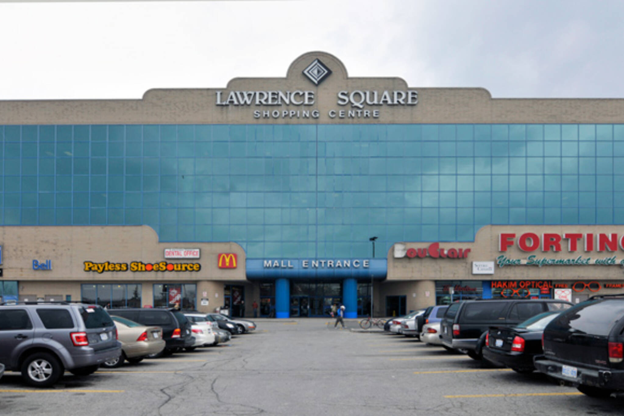 What Time Does Discount Tire Close >> Toronto malls in need of makeovers: Lawrence Square