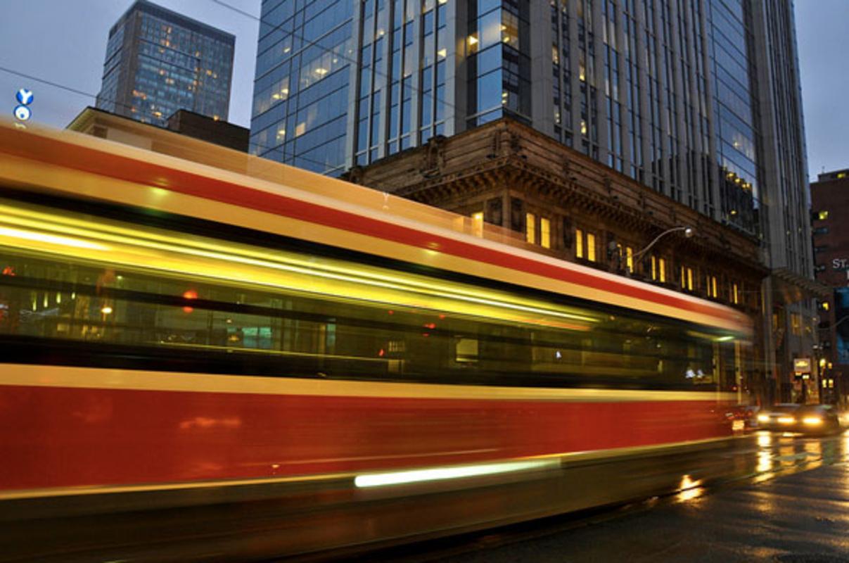 toronto streetcar yonge