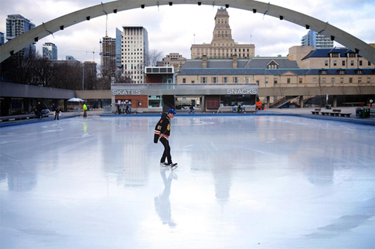 outdoor skating rinks now open in toronto