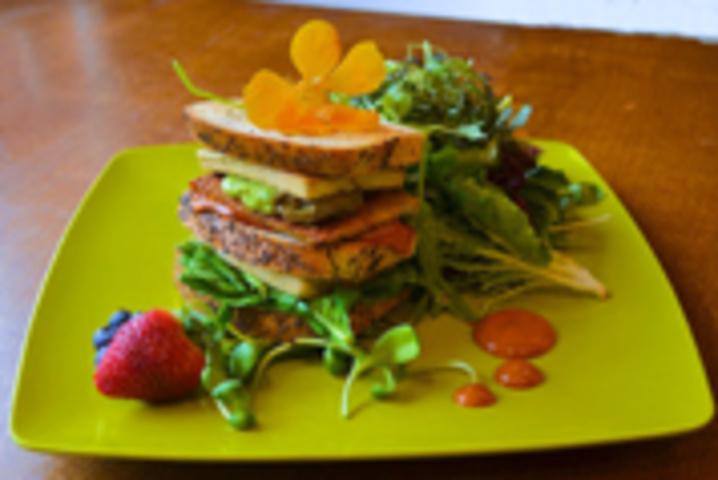 Live Organic Food Bar (Dupont)