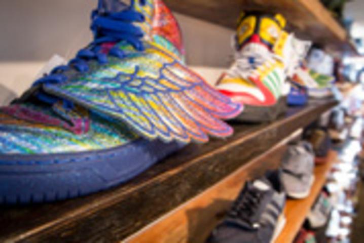 Capsule Footwear