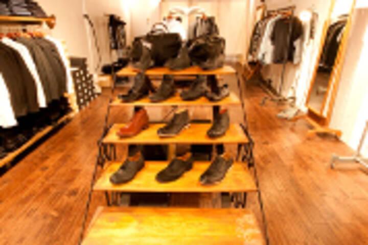 Toronto Shoe Stores Queen West