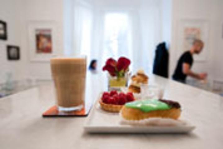 Le Neuf Cafe
