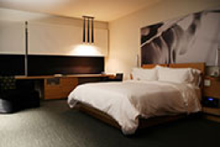 Hotel Le Germain Maple Leaf Square