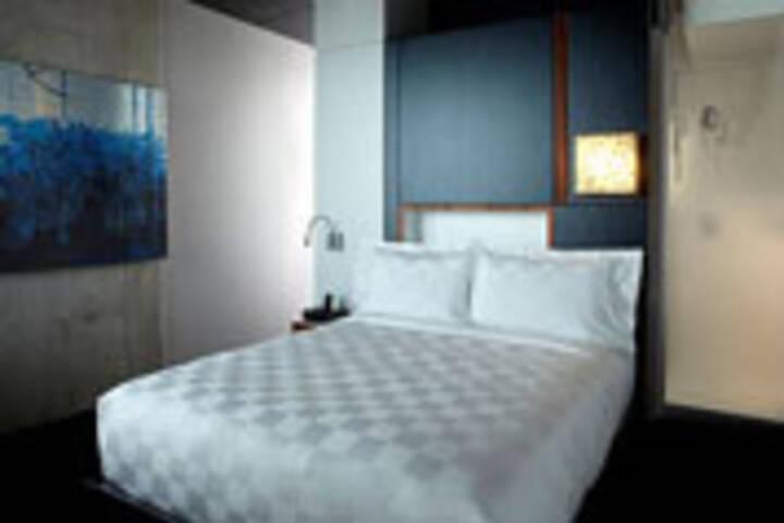 Alt Hotel Toronto Day Rate