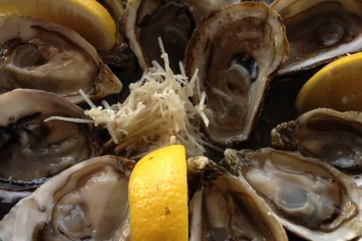 the best seafood restaurants in toronto. Black Bedroom Furniture Sets. Home Design Ideas