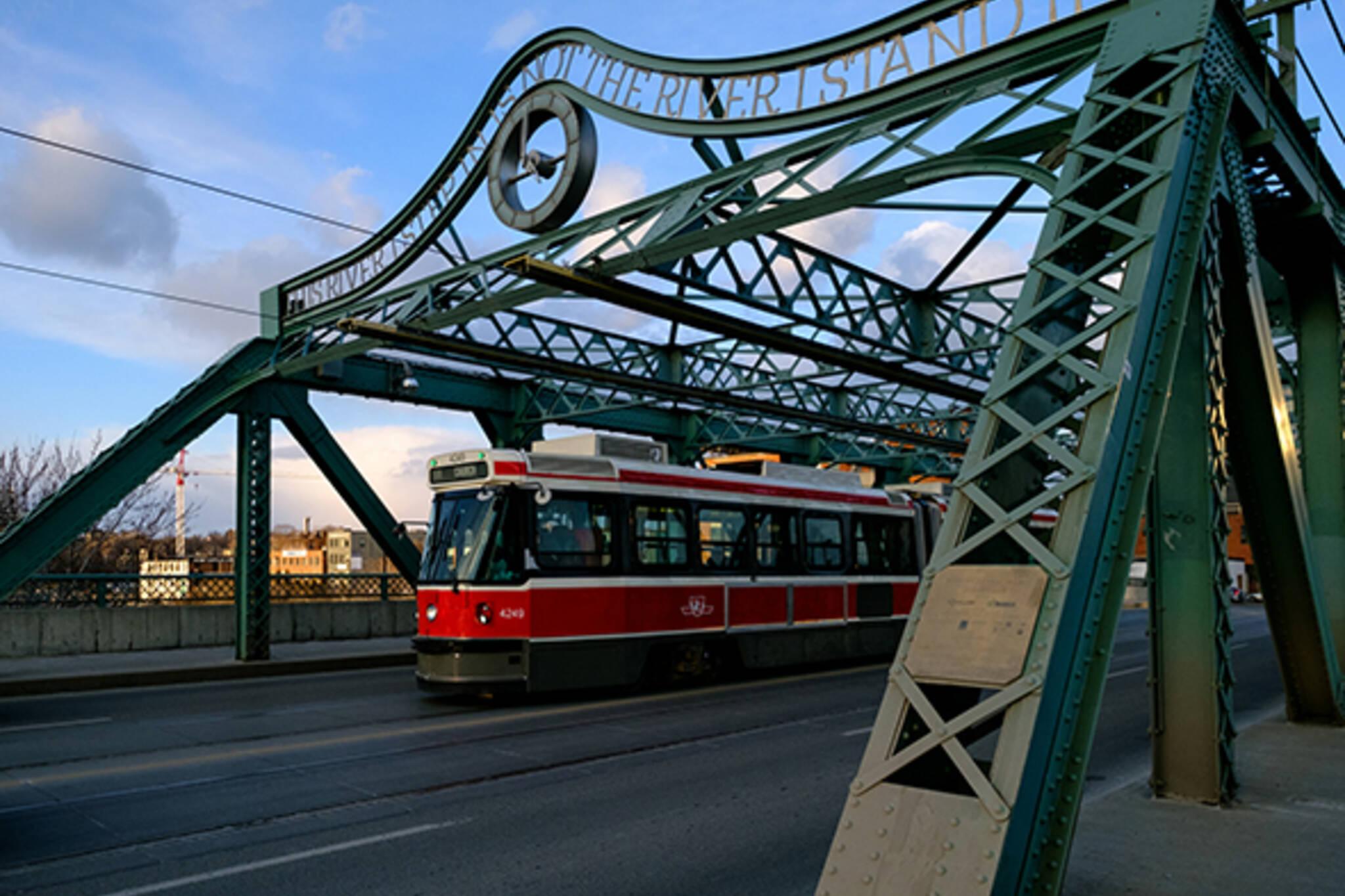 501 queen streetcar