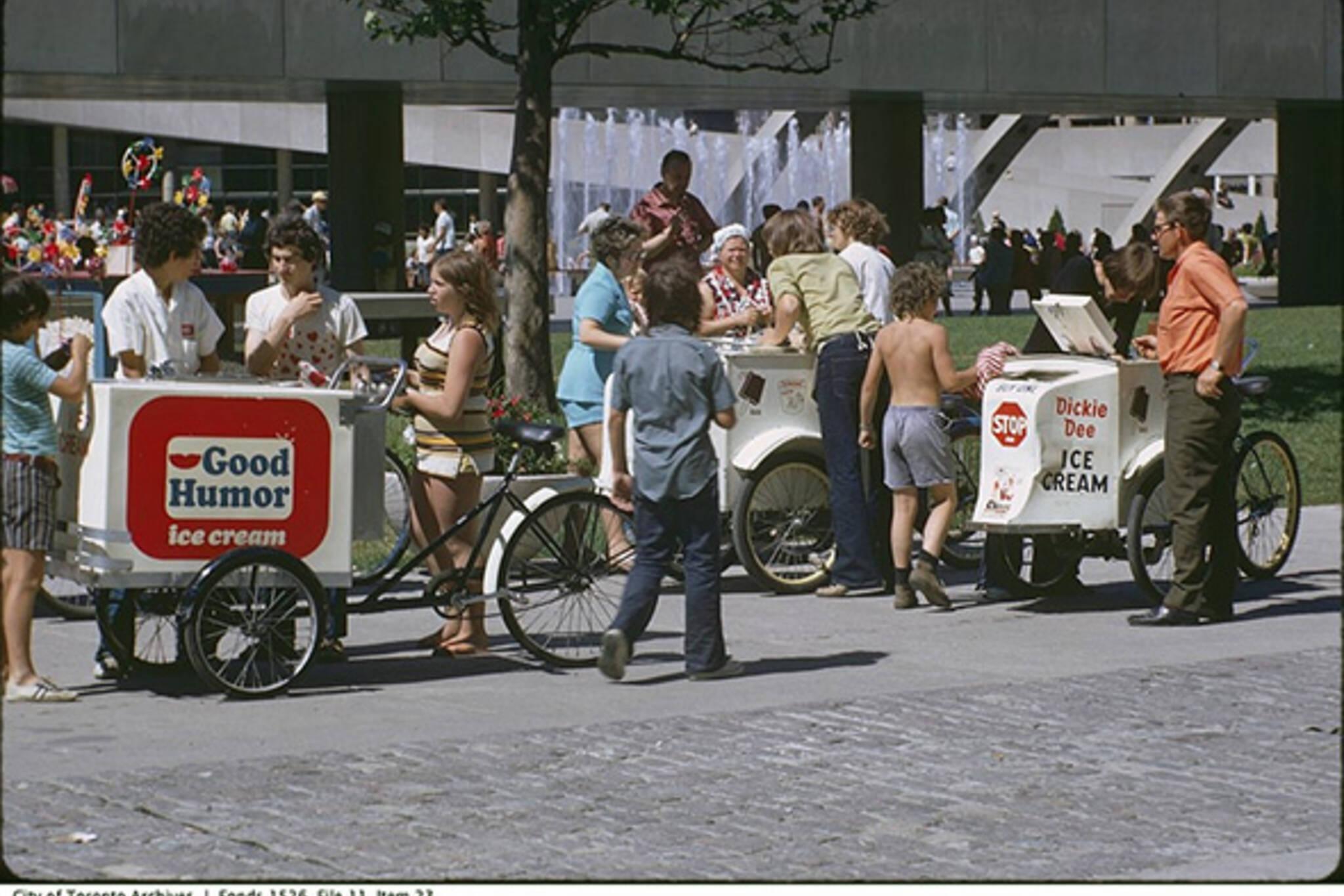 street vendor history toronto