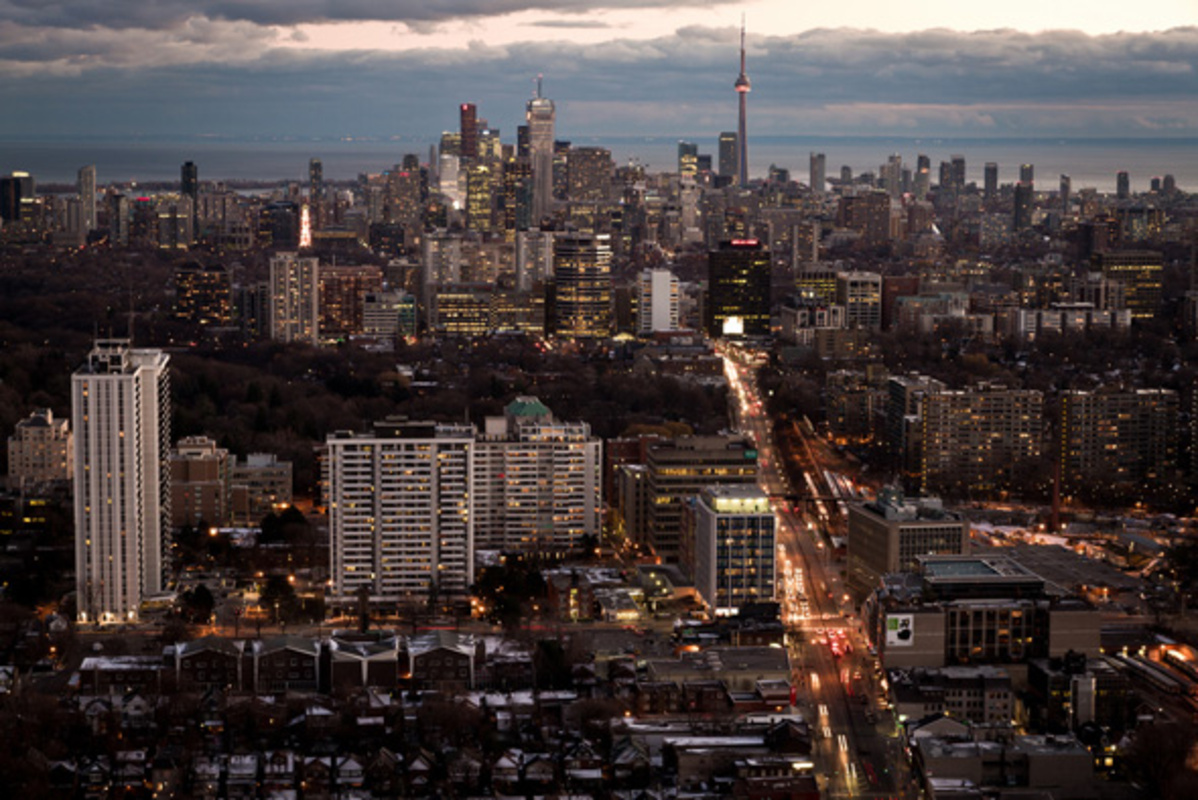 Toronto skyline dusk