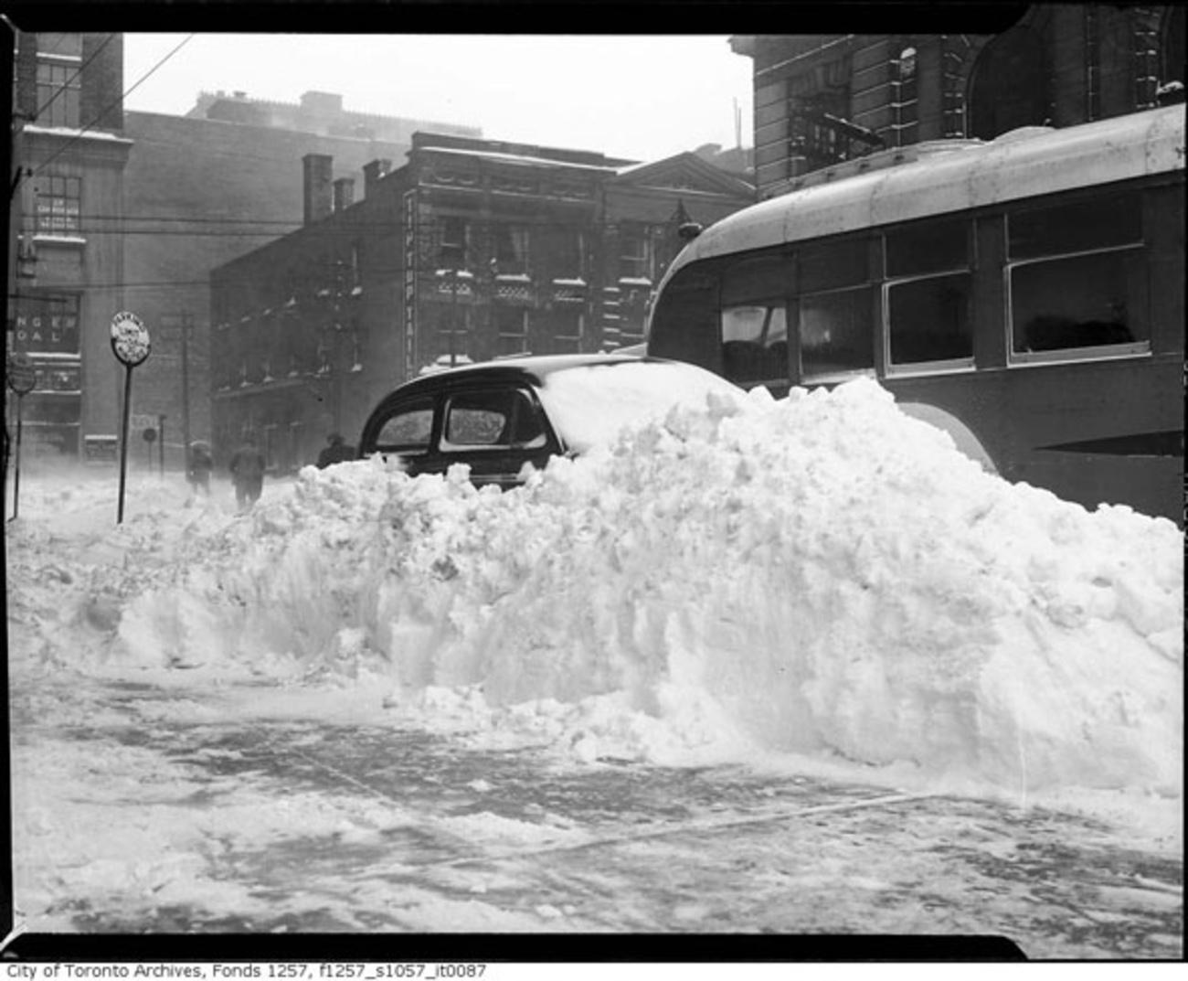 Snow Storm Toronto: The Time Toronto Was Buried Under Half A Metre Of Snow