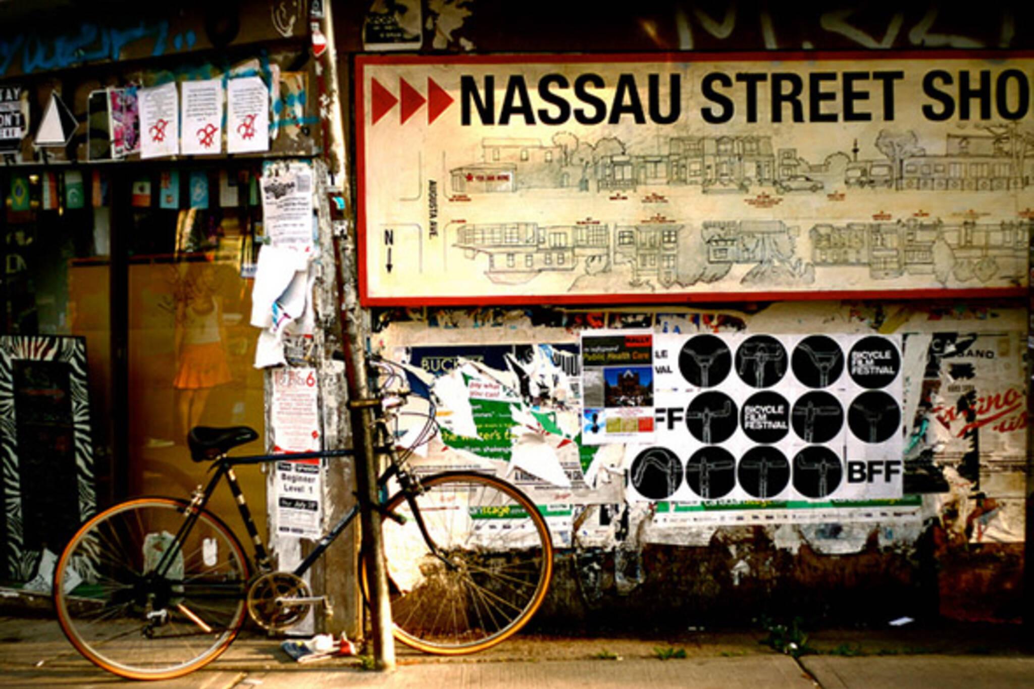 street, nassau, bike
