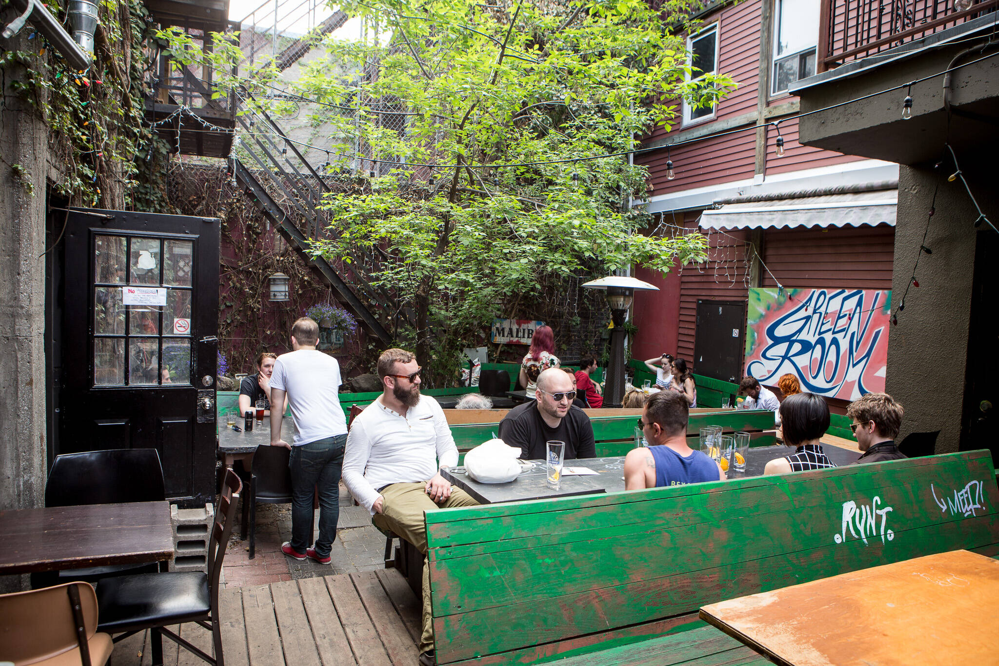 patios cheap drinks toronto