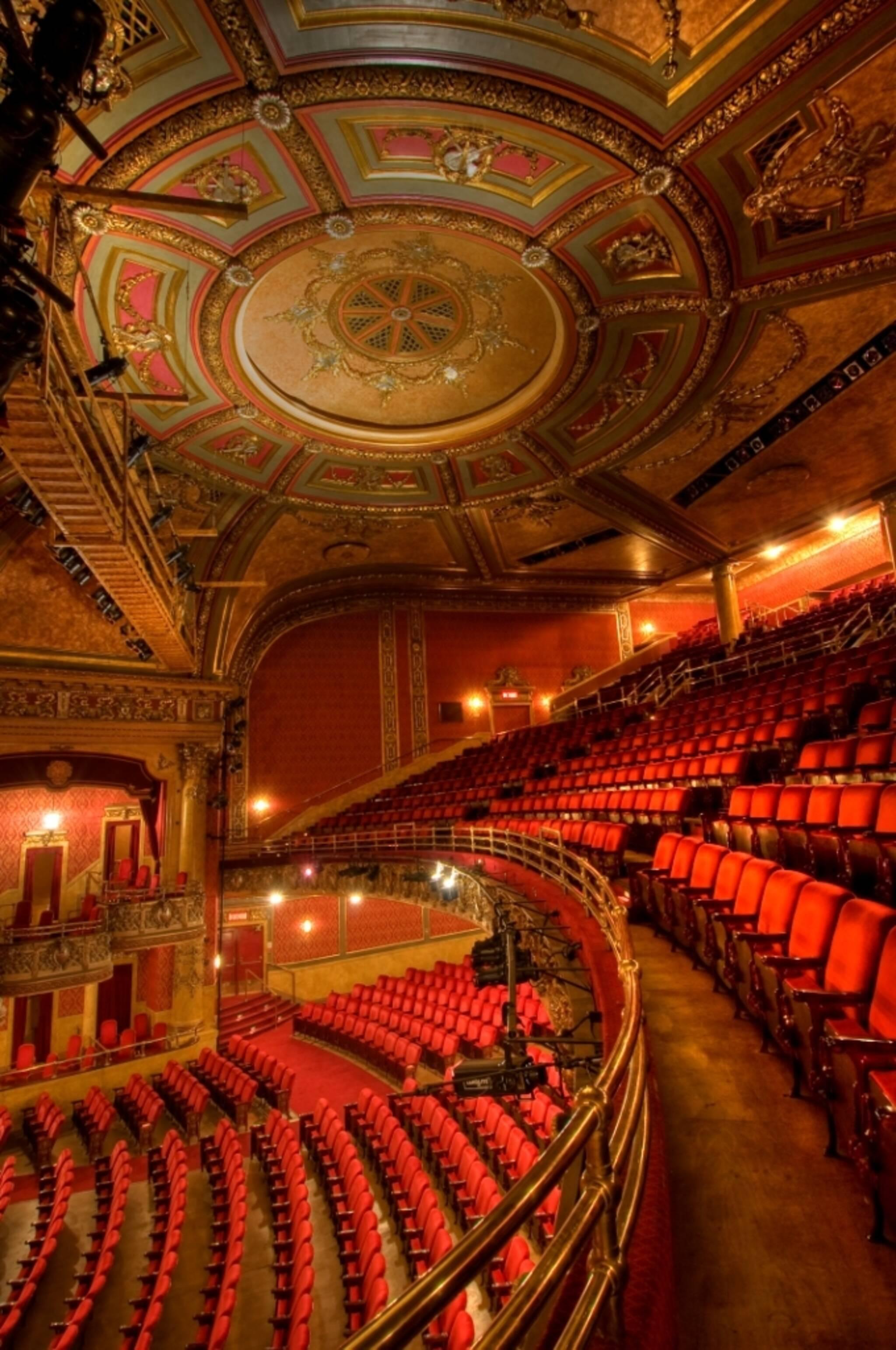 Free Public Tour Of The Elgin And Winter Garden Theatre Centre