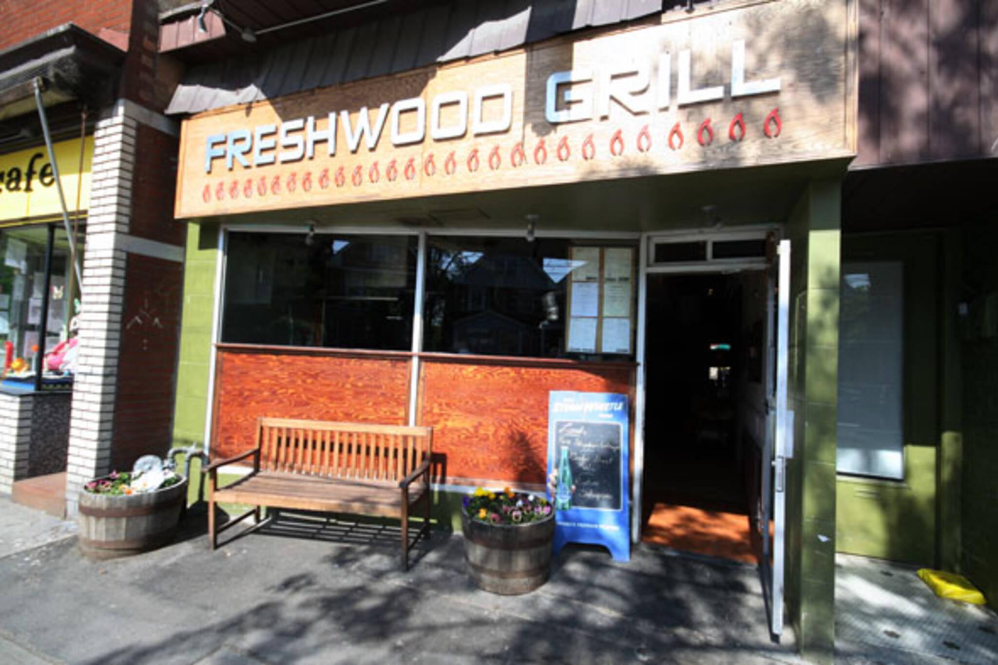 20070529_freshwoodgrill.jpg