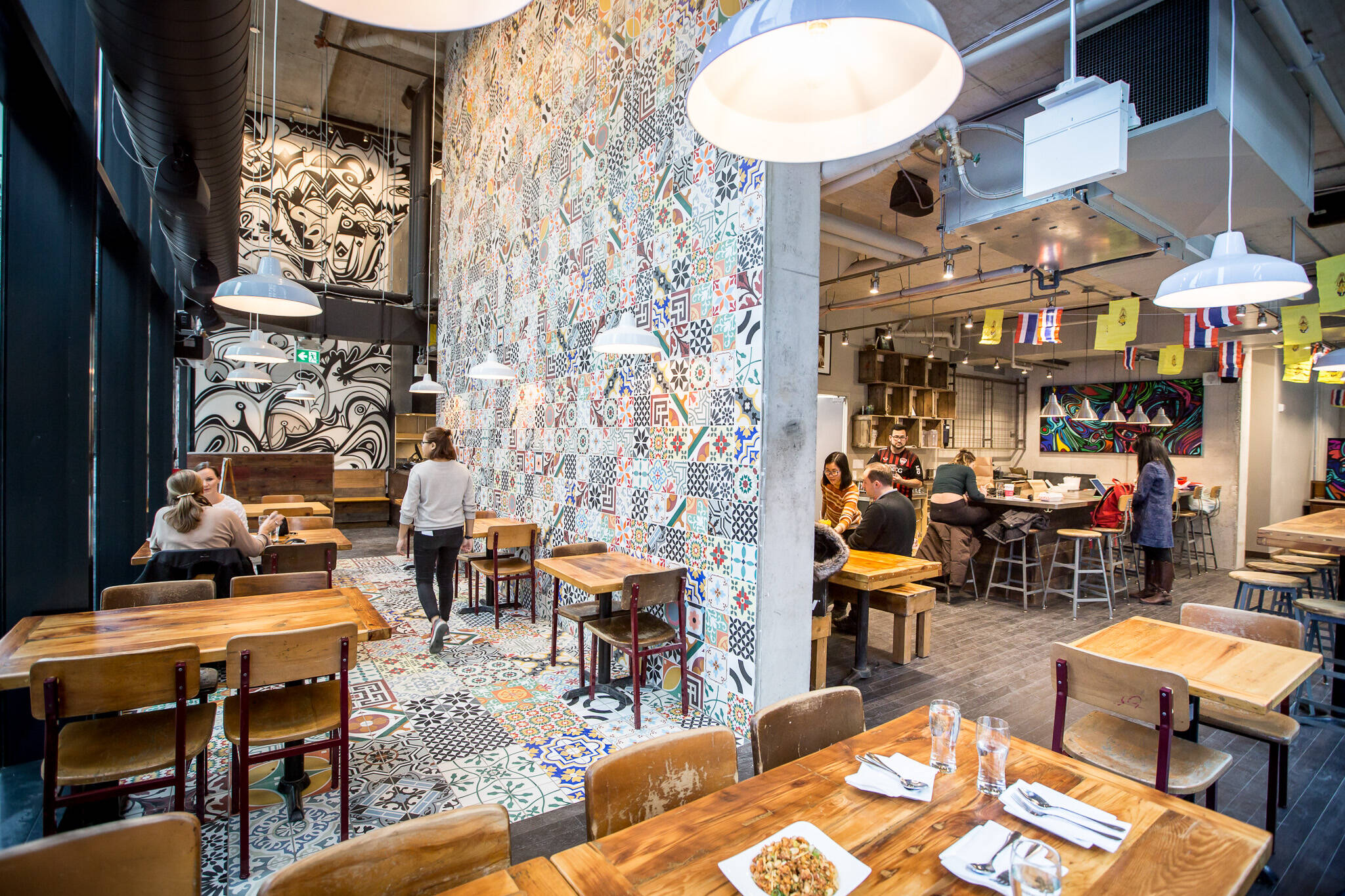 Restaurant Designer Toronto : Khao san road charlotte st to toronto