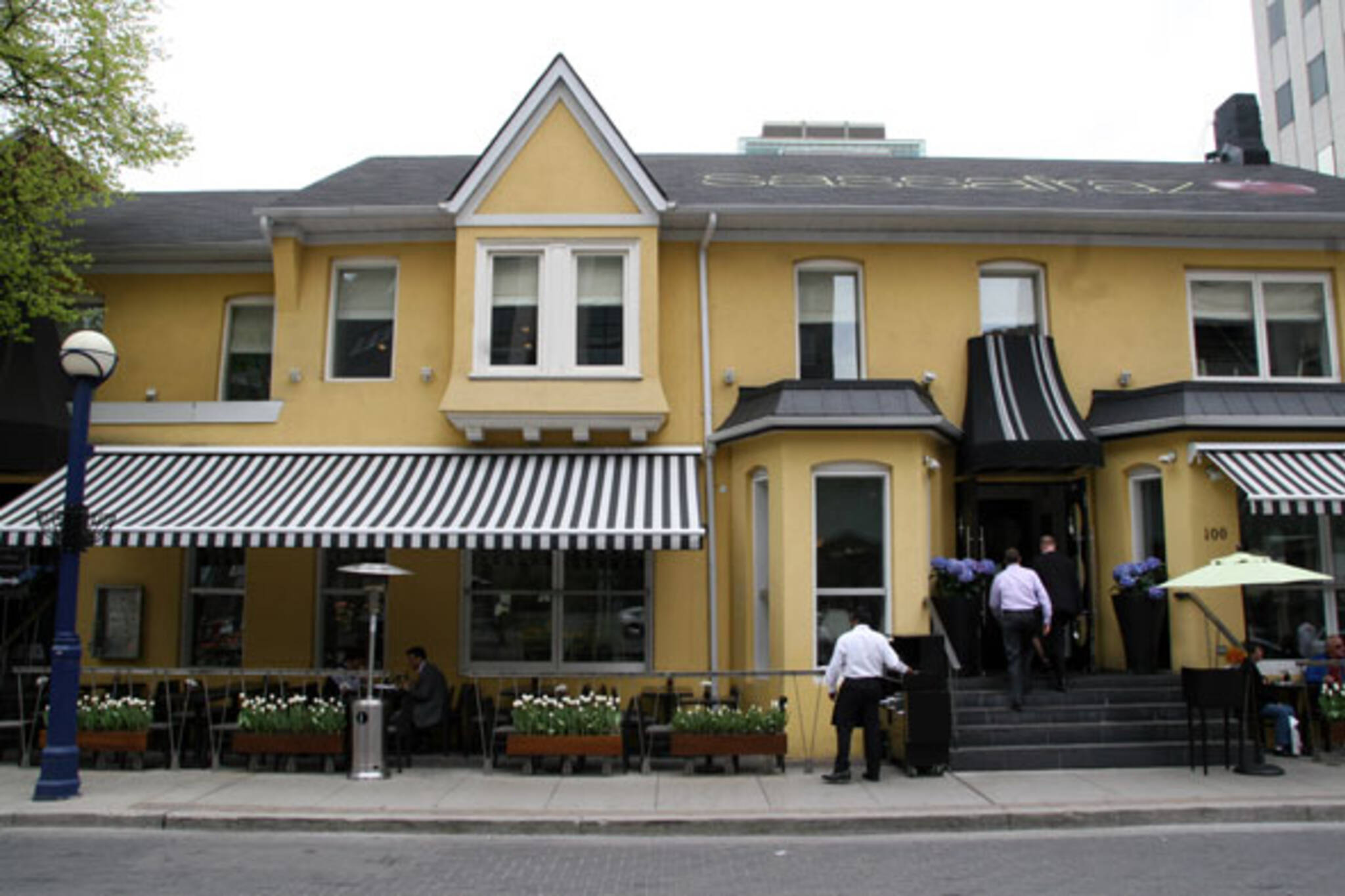 Sassafraz Restaurant In Toronto