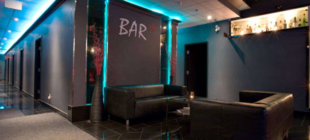 Bar karaoke blogto toronto for Design room karaoke