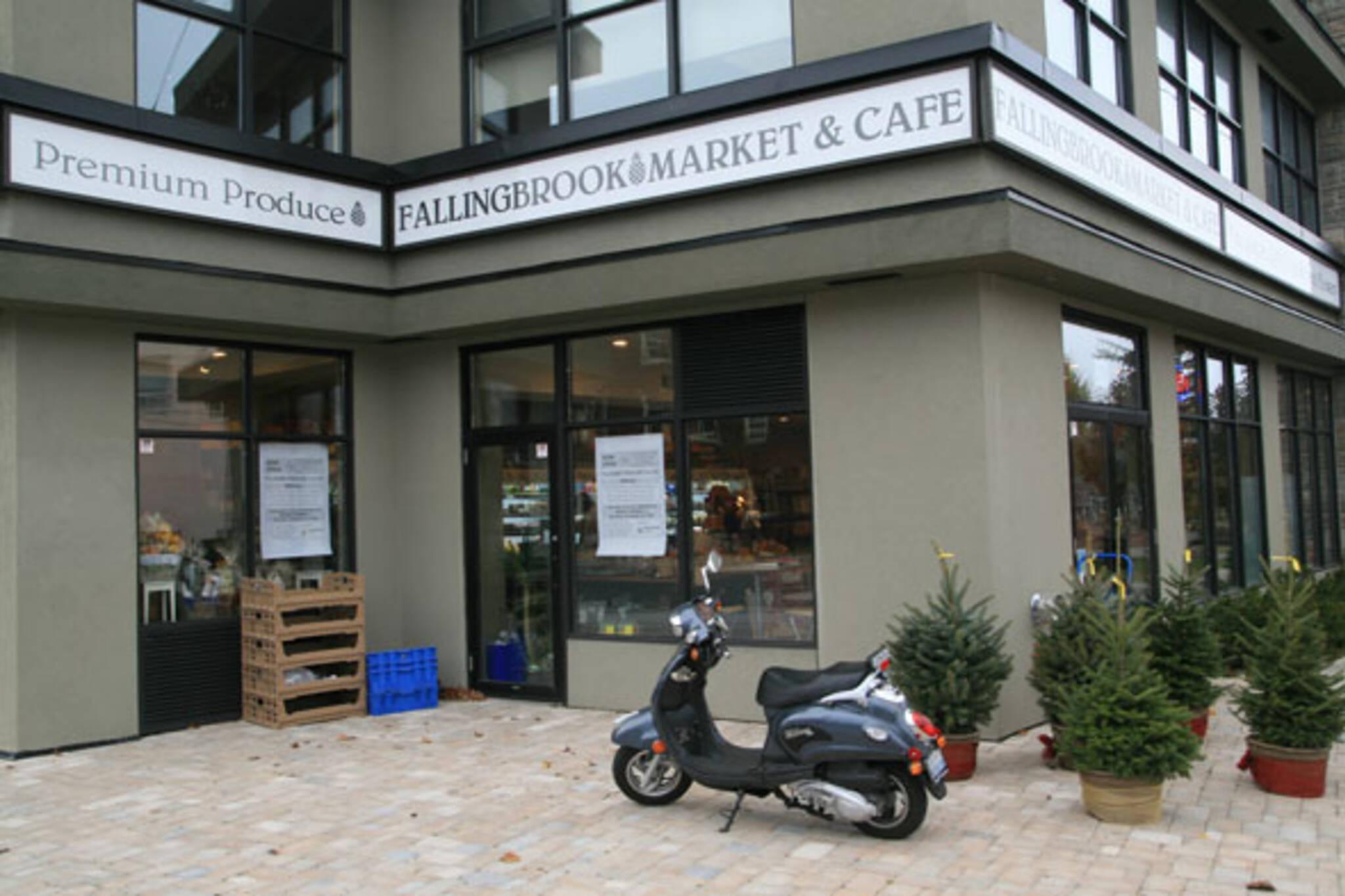 Fallingbrook Market