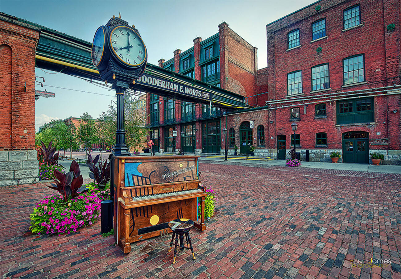 Distillery District Bars And Restaurants