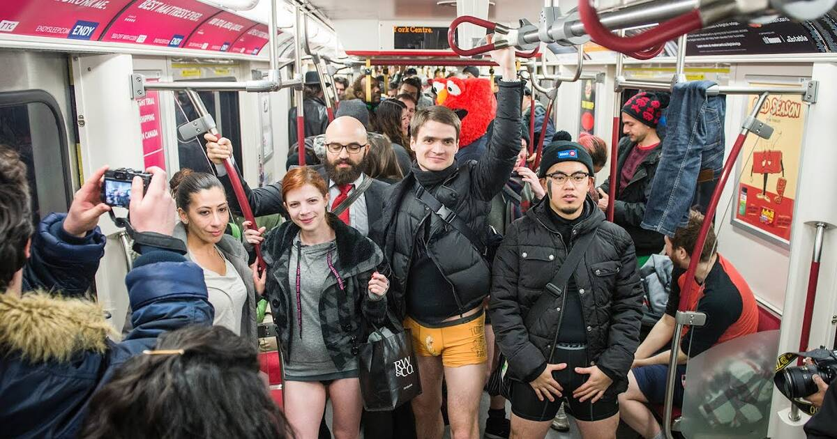 No Pants Subway Ride 2015: People Around The World Ditch