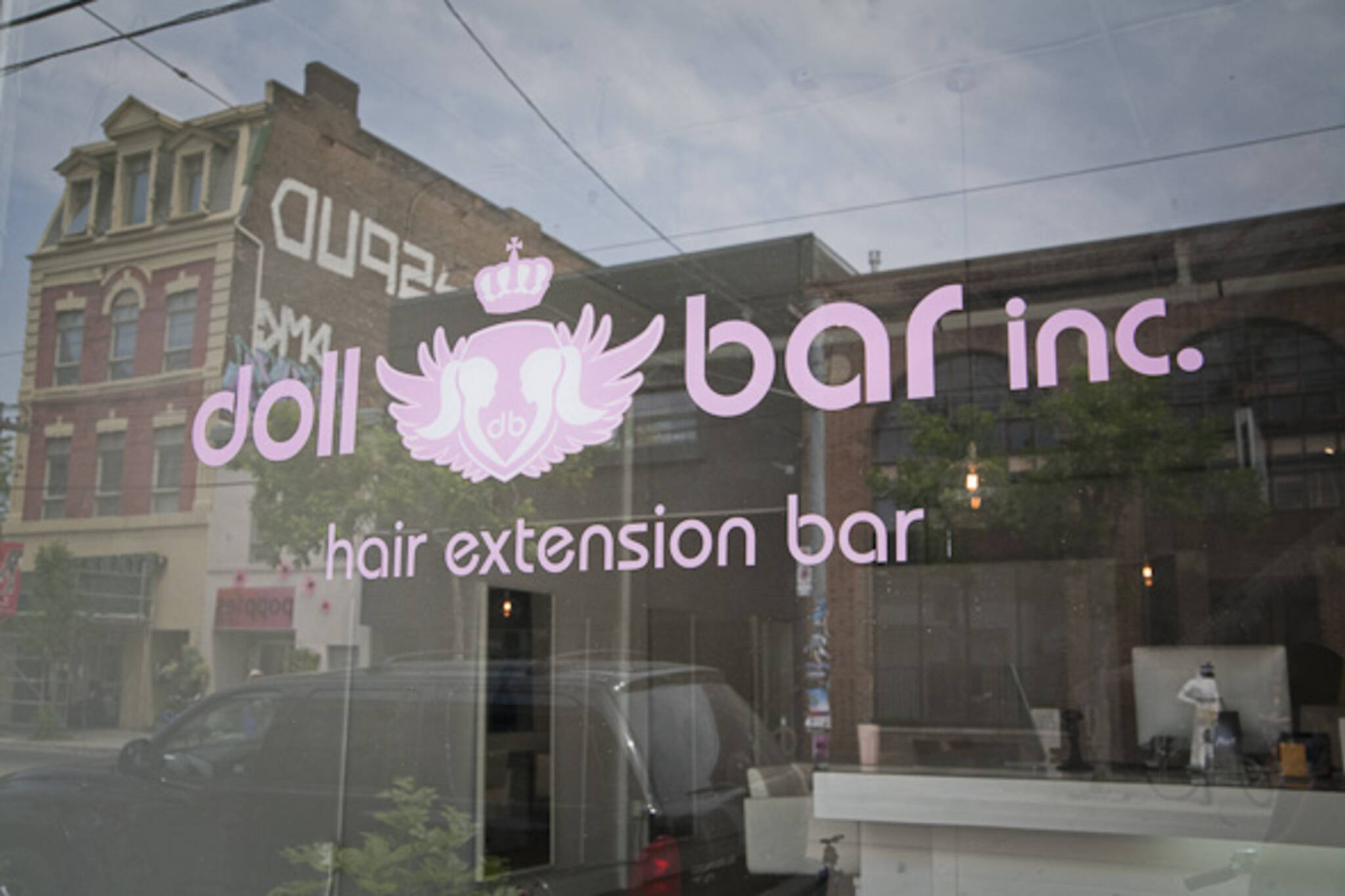 New Toronto Salon Only Does Hair Extensions