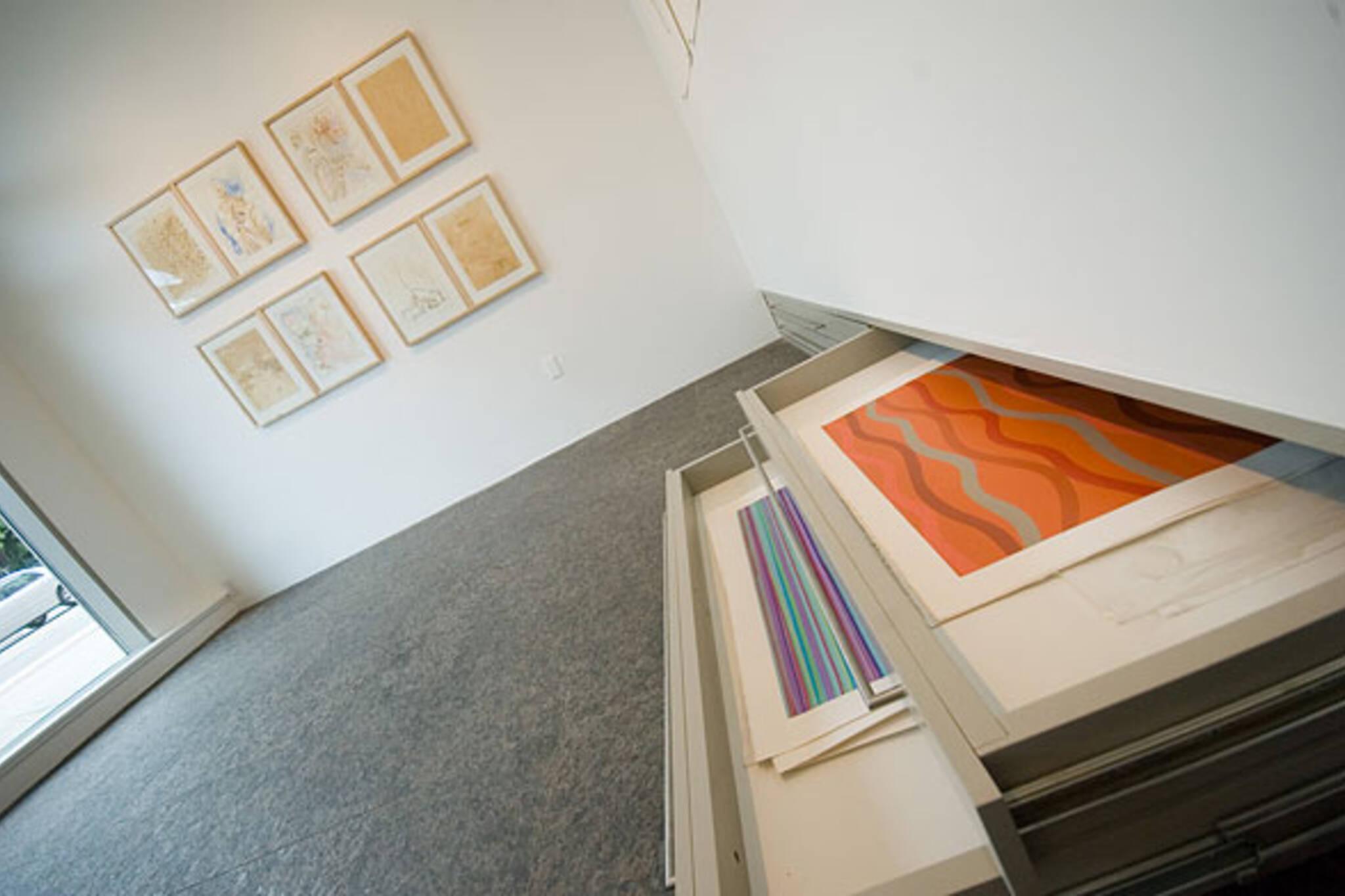 Tinku Gallery Inside