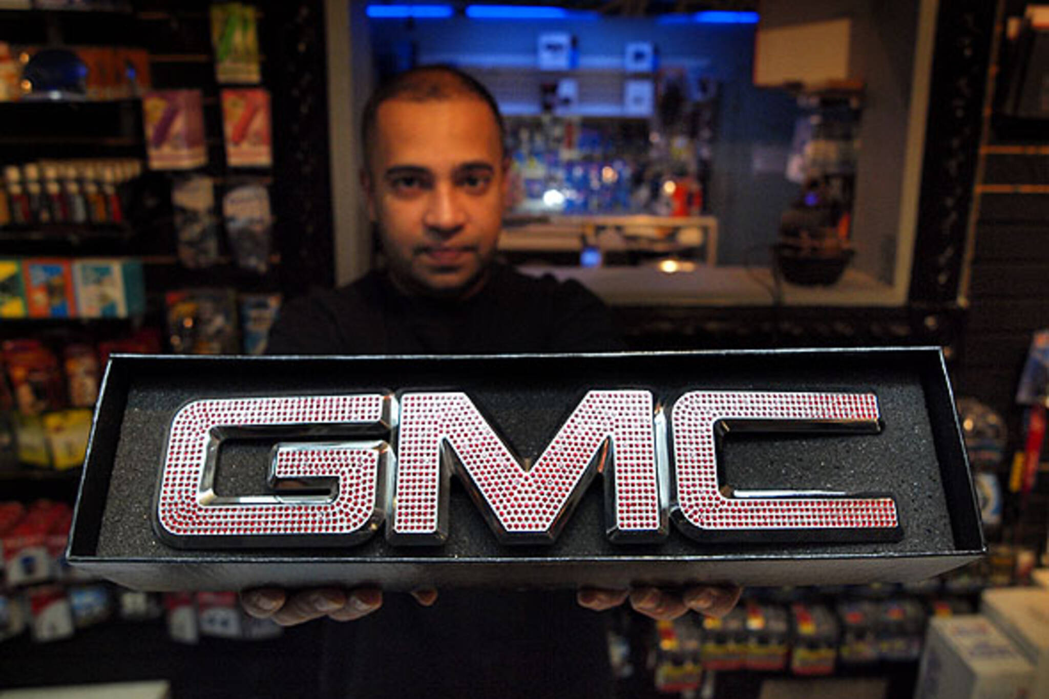 Blinged GMC badge at TeamSLS.