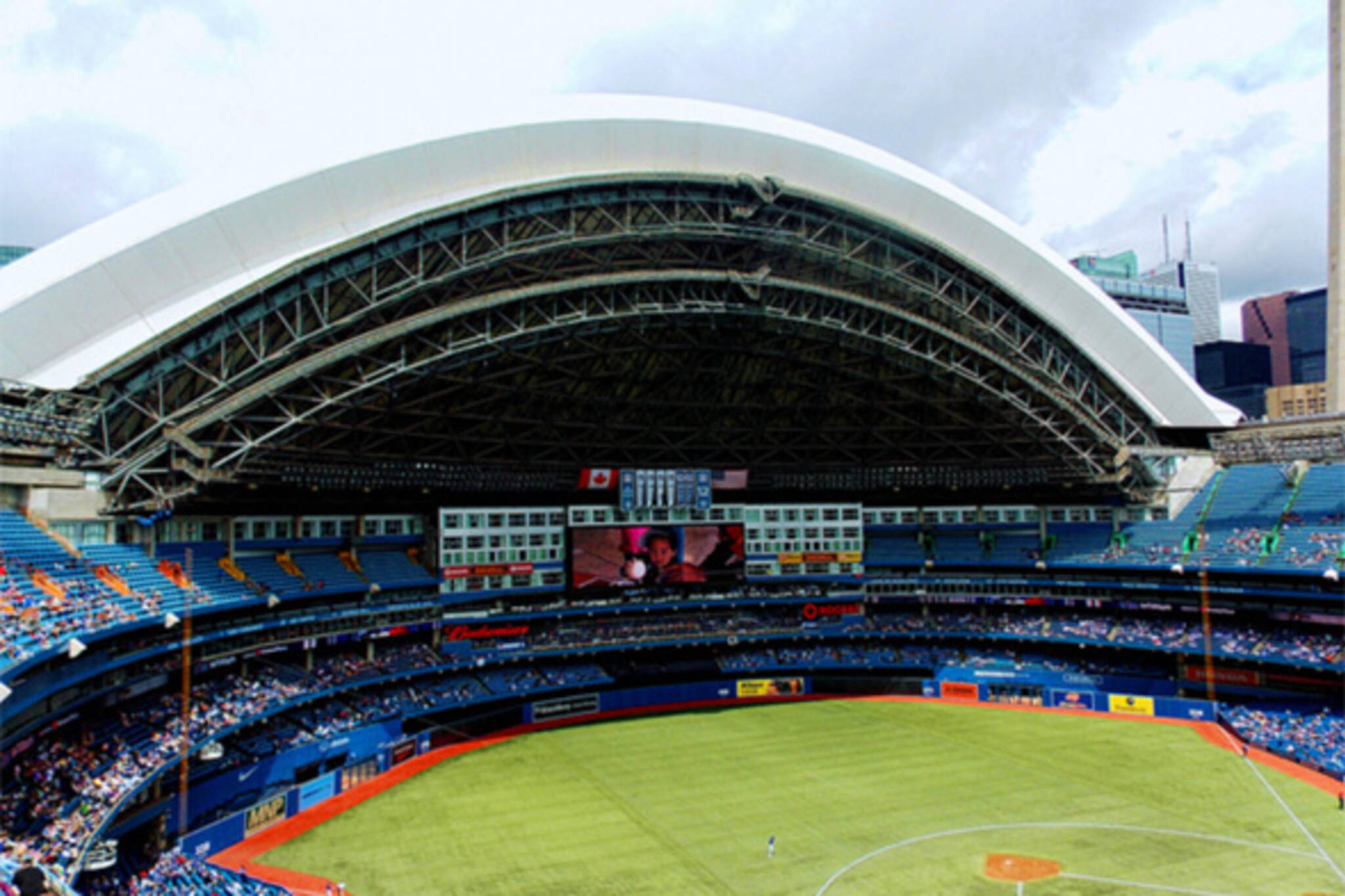 Rogers Centre Roof Open For The First Time This Season
